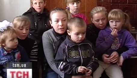 11 детей на Львовщине остались без матери и, фактически, без отца