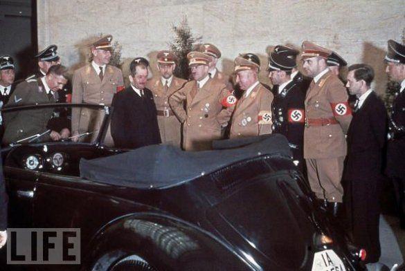 Кольорові фото Гітлера