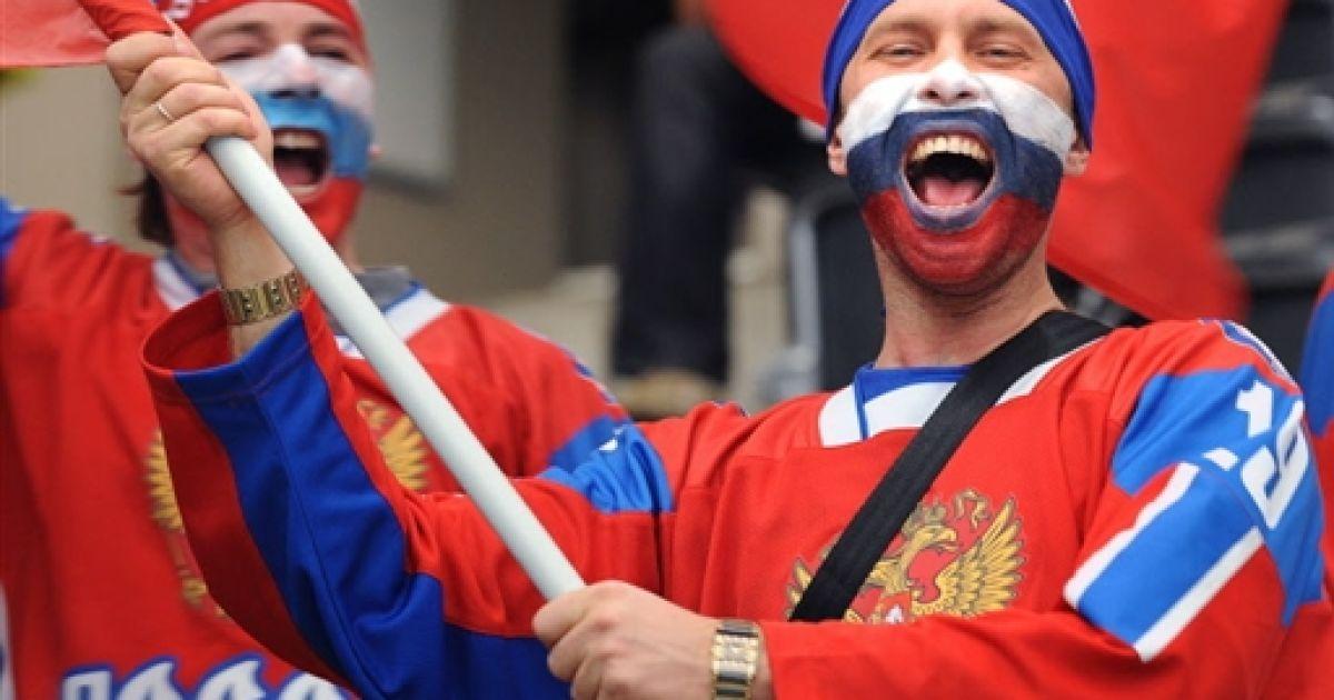 Россияне не любят США и Украину, но хотят хороших отношений с Западом - опрос