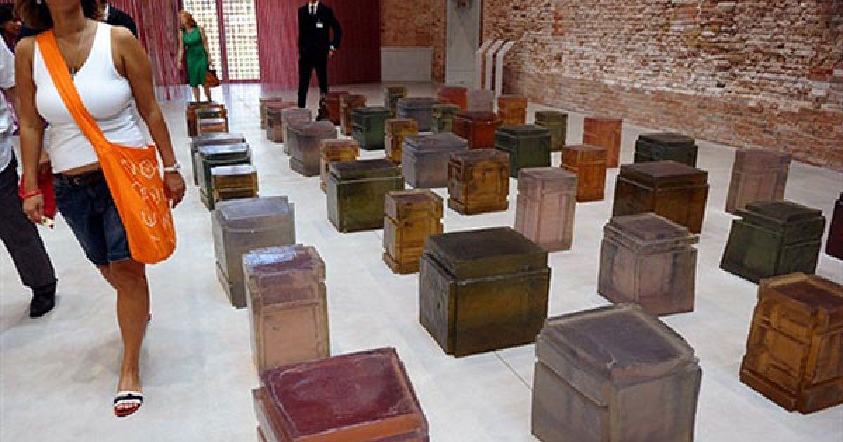 До відкриття музею свою колекцію витворів сучасного мистецтва надав французький мільярдер, чоловік Сальми Хайек, Франсуа Піно. @ AFP