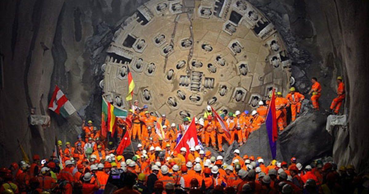 Прокладання тунелю Готард почалося 15 років тому і коштувало 7 мільярдів євро. @ AFP
