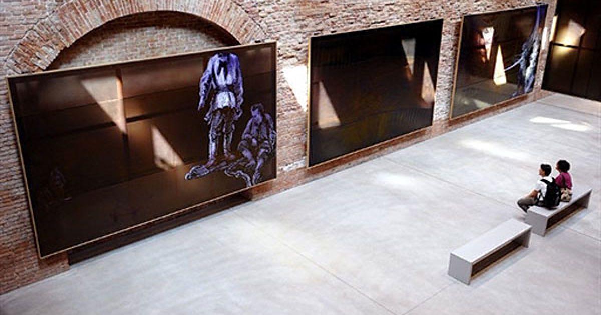 Новий музей сучасного мистецтва відкрився у старовинній будівлі Punta della Dogana у Венеції. @ AFP