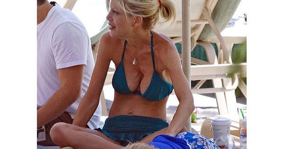 Тори Спеллинг шокировала своей силиконовой грудью - Гламур - TCH.ua