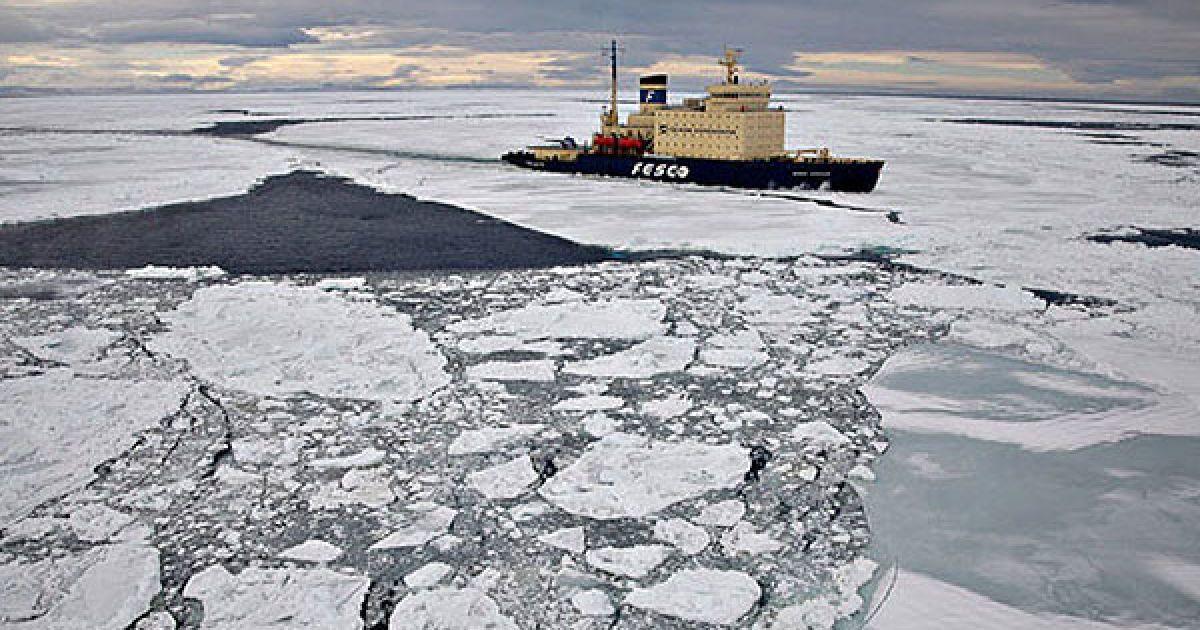 """55-річний норвезький фотограф Пел Хермансен з Осло, який відвідував Сноу Хілл два роки тому на кораблі """"Капітан Хлєбніков"""", поки є останнім туристом, що побував у цьому краї. @ The Telegraph"""