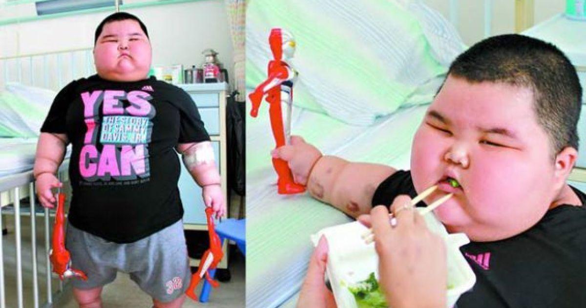 3-річний Чжао Сяо важить 60 кілограмів