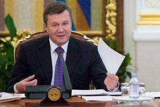 Янукович спілкуватиметься із журналістами після виборів