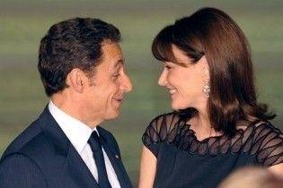 Саркози потратил на цветы для Бруни 400 тысяч долларов из бюджета