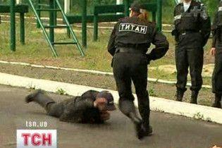 Иностранцы смогут заказывать украинок для охраны во время Евро-2012