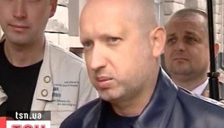 Турчинов снова пришел на допрос в СБУ
