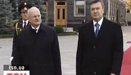 Янукович встретился с президентом Словакии