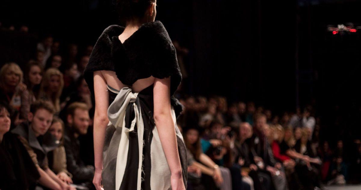 Показ італійського дизайнера Ламберто Петрі для La Maison du Couturier завершив модні Дні KFD у Києві. @ Олена Гроза/ТСН.ua