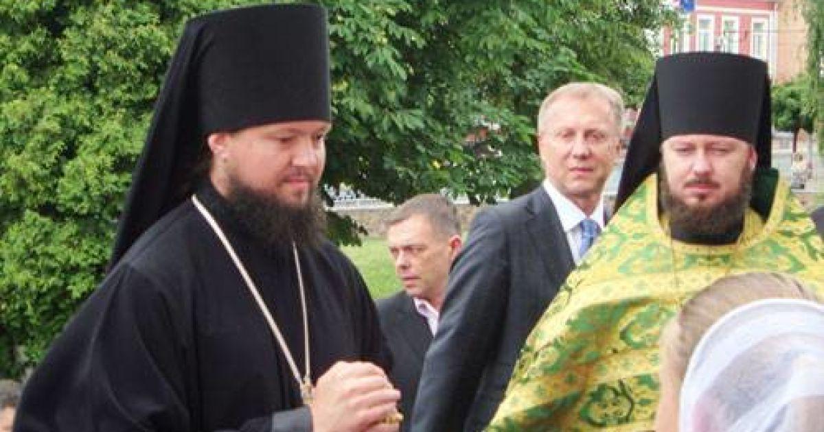 """Житомирський єпископ УПЦ МП їздить на богослужіння на """"Лексусі"""" @ Журнал Житомира"""