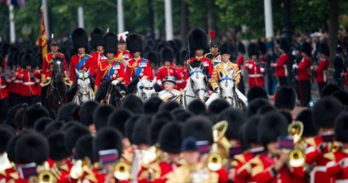 Великобританія традиційною помпезною церемонією відзначила день народження королеви Єлизавети ІІ.