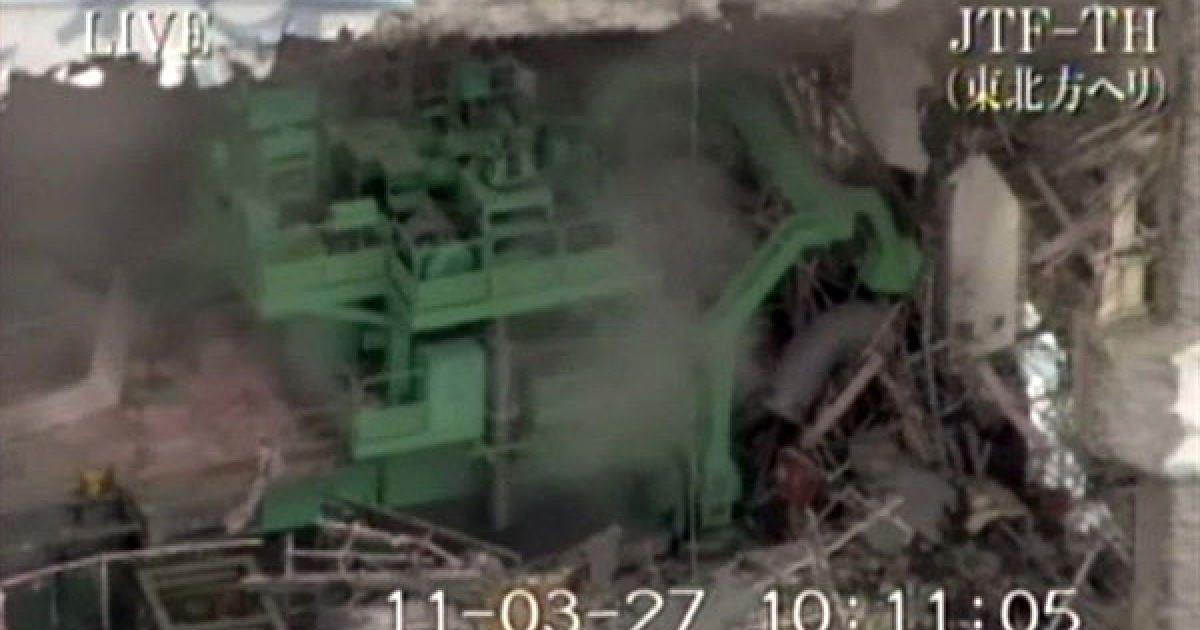 """Японія, Окума. Зруйнований реактор АЕС """"Фукусіма-1"""" в місті Окума, префектура Фукусіма. Небезпечний рівень радіації зафіксовано у морській воді поблизу АЕС. Вважається, що його викликав витік з постраждалого реактора АЕС. Фото AFP/HO/JAPAN'S GROUND SELF-DEFENSE FORCES @ AFP"""
