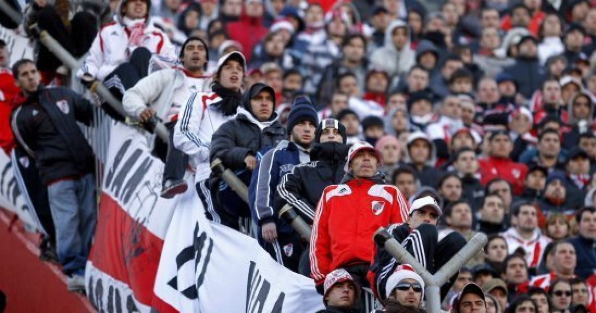 В Аргентині футбольні фанати спровокували масові безлади @ The Huffington Post