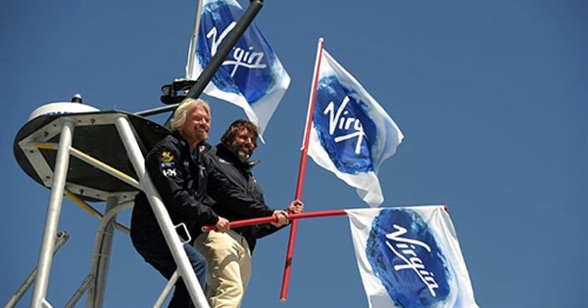 В Великобритании презентовали уникальную миниатюрную подлодку Virgin Oceanic @ AFP