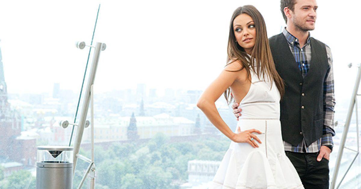 """Міла та Джастін презентують """"Секс по дружбі"""" @ Spletnik.ru"""
