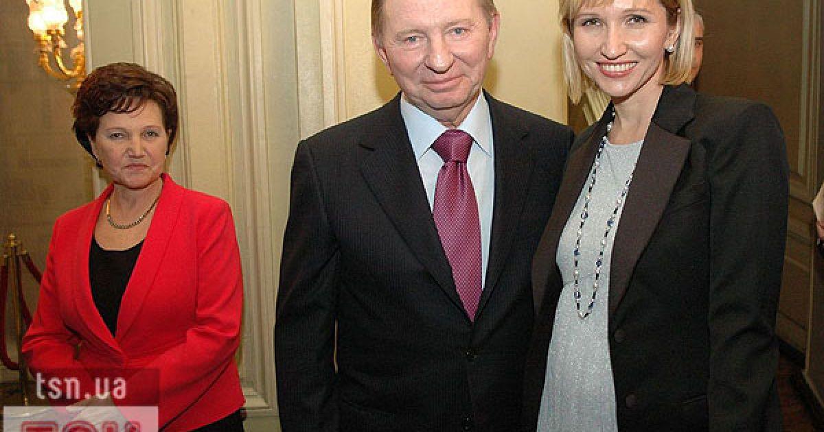 Екс-президент України Леонід Кучма з дочкою Оленою та дружиною. @ ТСН.ua
