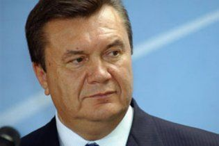 Янукович готовий подати до суду на Росію через газ