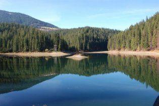 Кабмін хоче дозволити приватизовувати озера
