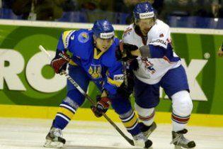 Україна ганебно почала домашній чемпіонат світу з хокею