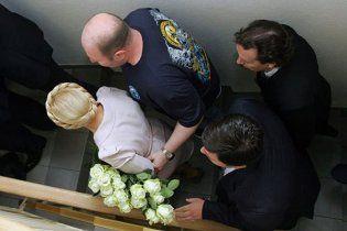 Охоронець Тимошенко вдарив в обличчя журналіста