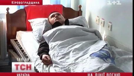 Стрілянина на Кіровоградщині  пенсіонер на вулиці розстріляв чоловіка та сина