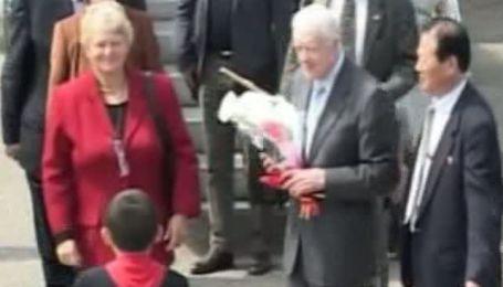 Экс-президент США Джимми Картер прибыл на ядерные переговоры в КНДР