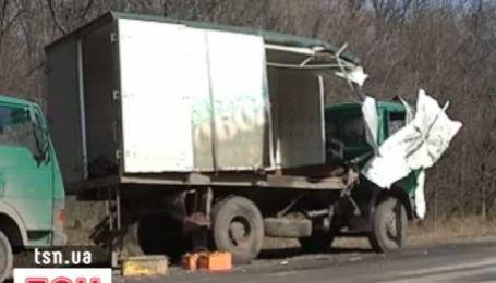 ДТП на Харьковщине: маршрутка врезалась у грузовик