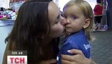 Весь світ відзначає День поцілунків
