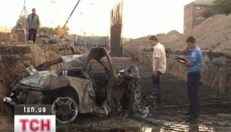 На рассвете в Киеве три человека погибли в автомобильной аварии