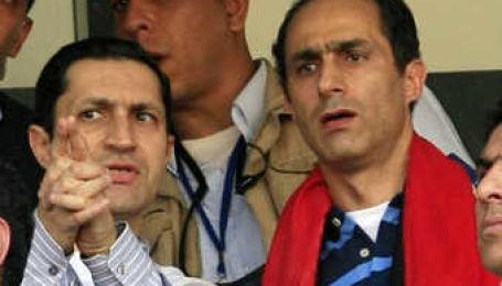 Мубарак и его сыновья предстанут перед судом