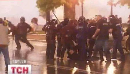 Двое убитых, десятки раненных и позорное бегство Нино Бурджанадзе