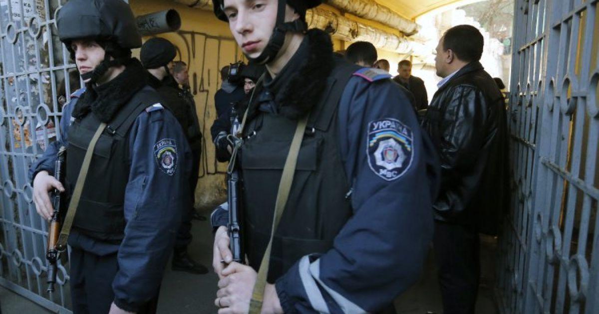 Невідомі влаштували стрілянину в центрі столиці @ gbgalsgallery.com