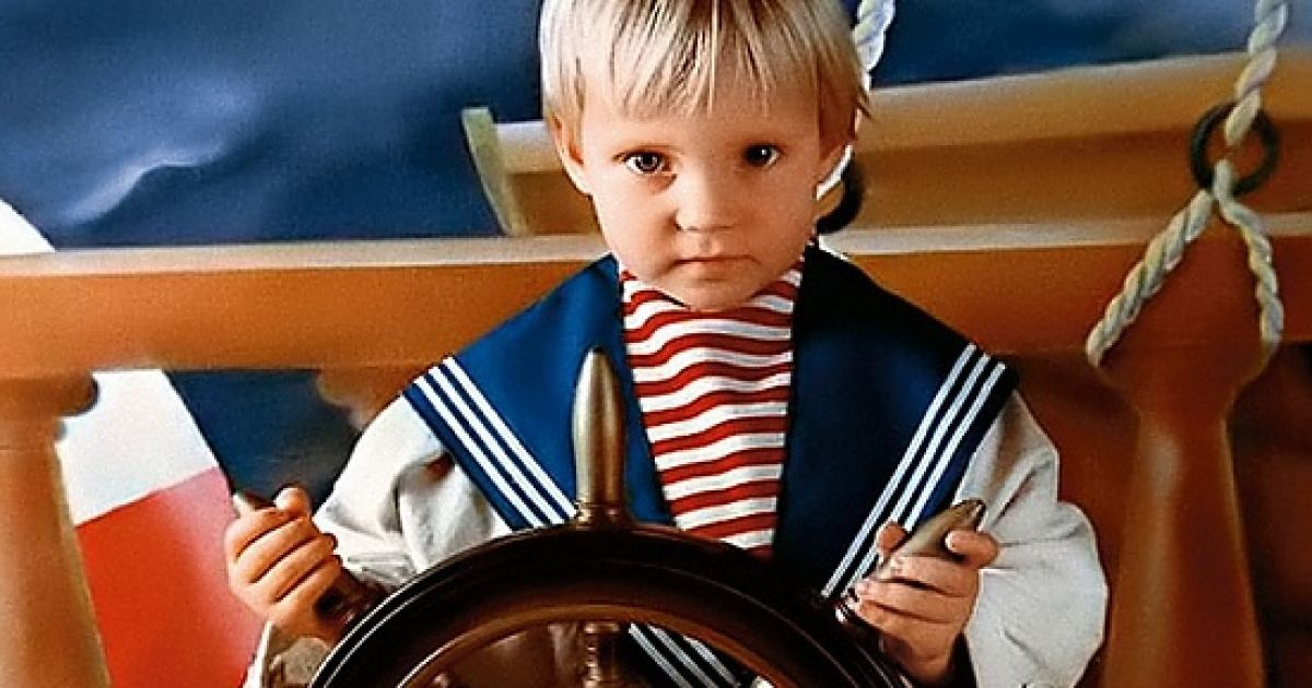 Маленька Глюкоза у костюмі морячка @ 7 дней