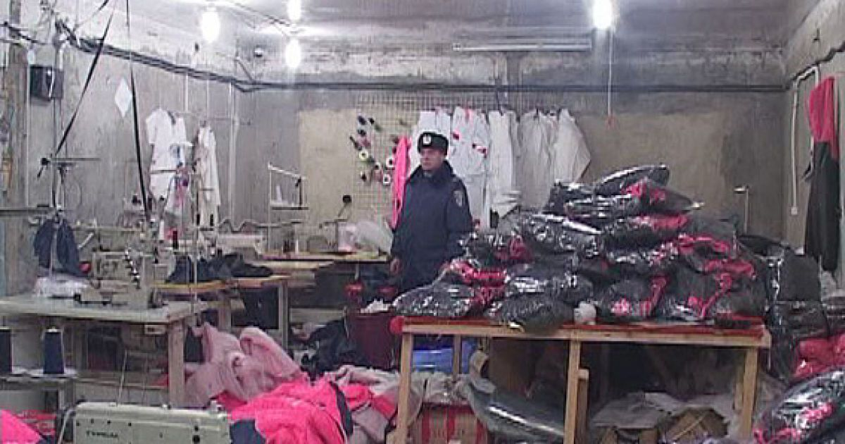 В Одесской области разоблачили подпольную швейную фабрику с десятками рабов-нелегалов
