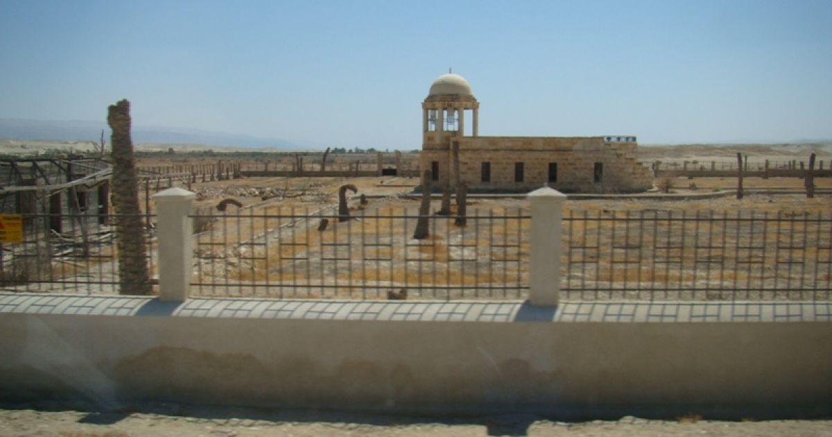 Пустка на місці храму. Фото Дмитра Шаповалова @ ТСН.ua