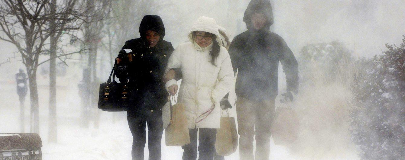 Складні метеоумови: у США скасували понад тисячу авіарейсів через потужну снігову негоду