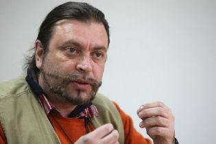 Прикордонники розповіли, чому відправили відомого правозахисника назад до Москви
