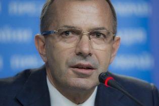 Клюев призвал ЕС помочь объективно расследовать события в Украине