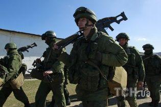 Россия отправляет в Крым военных-новичков, у которых отбирают документы и мобилки - эксперт
