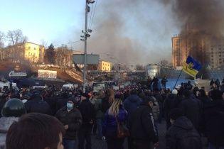 Медики на Майдане рассказали, как беркутовцы бросили тело погибшего активиста в огонь