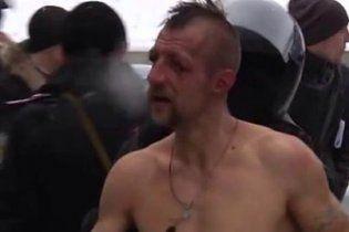 Активіст, з якого на морозі знущалися силовики, називає Євромайдан своєю тимчасовою домівкою