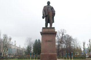 Пам'ятник Леніну у Борисполі хочуть поставити на сигналізацію