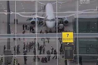 Из-за густого тумана задерживаются рейсы уже в трех аэропортах