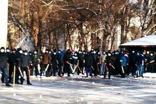 """В милиции Днепропетровщины молодчиков с палками назвали """"добровольными помощниками"""""""