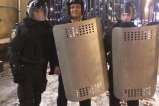 Регионалы мобилизируют сторонников, а Добкин планирует освобождать помещения ОГА по Украине