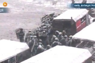 На Грушевського не вистачає карет швидкої допомоги, щоб допомагати пораненим – ЗМІ