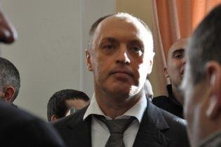 Люди повстали проти чиновників – посипають їх гречкою і змушують звільнятися