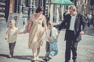 Московська газета використала фото мера Львова, щоб показати щасливу російську родину